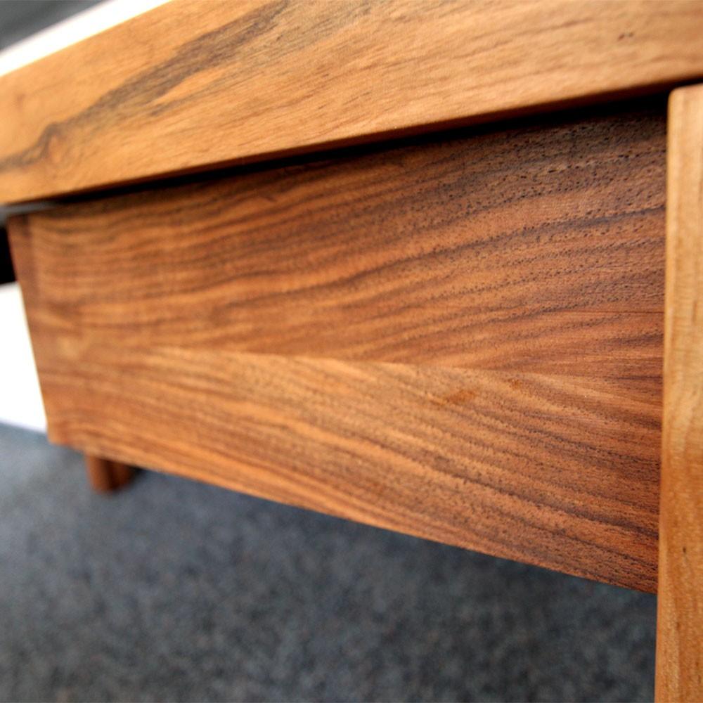 schreibtisch und esstisch holzgesp r. Black Bedroom Furniture Sets. Home Design Ideas