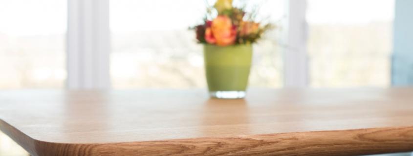 Eichetisch massiv Tischkante