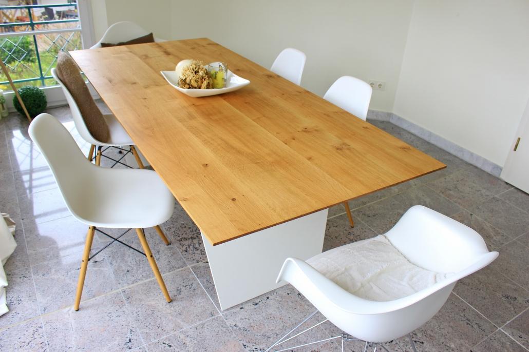 schweizer kante holzgesp r esstisch nach ma. Black Bedroom Furniture Sets. Home Design Ideas