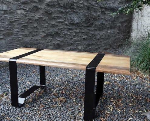 Tisch wie ein Fass