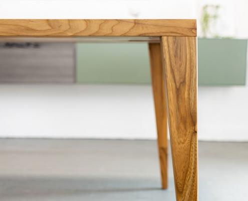 Massivholzesstisch ohne Zargengestell Zarge